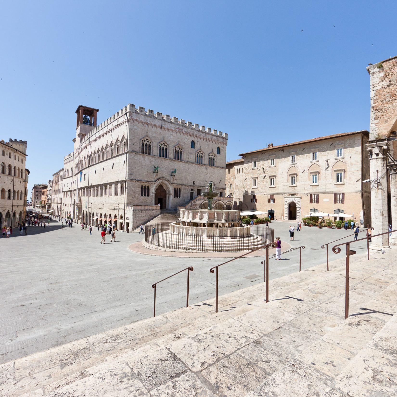 Piazza IV Novembre - Perugia, Umbria - Articity